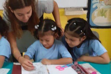 Trabajo de voluntariado social internacional - Ecuador - enseñanza