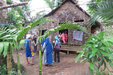 Trabajo de voluntariado social internacional - Filipinas - visitando casas